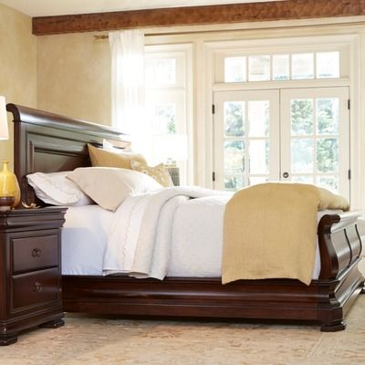 Universal Furniture Reprise Sleigh Bed