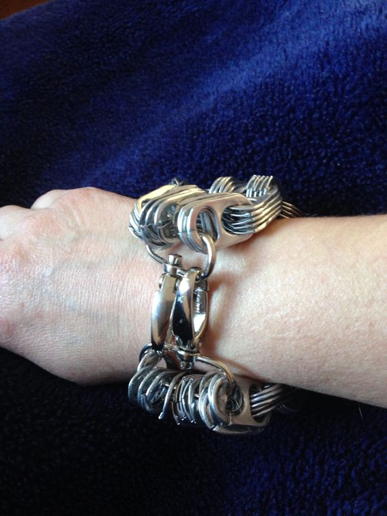 Armband (slotje van een keycord gemaakt)