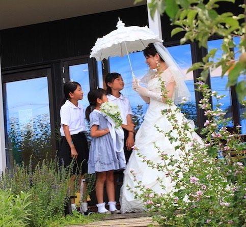 ながのdeウエディングのファミリーフォトイベントに応募いただいた素敵なファミリー 結婚式をしなかったけど 子どもが生まれた今 子どもと一緒に結婚式を 子どもと一緒に写真を パパママ婚 ファミリー婚 お写真だけの結婚式 披露パーティ 2人だけの結婚式