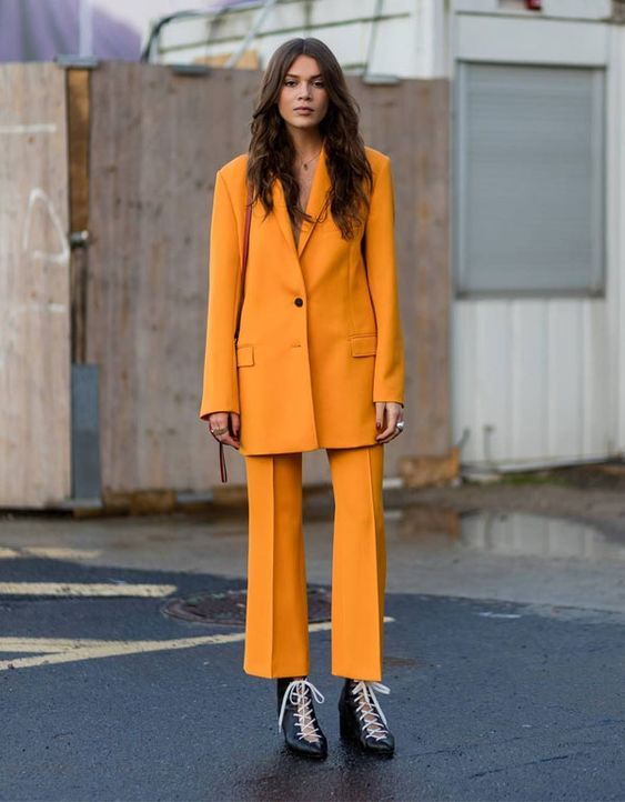 it girl - conjunto-blazer-calça-alfaiataria-amarelo-bota - calça de alfaiataria - winter - street style