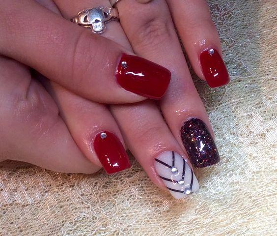 ongles rouge et noir ongles pinterest ongles et rouge. Black Bedroom Furniture Sets. Home Design Ideas