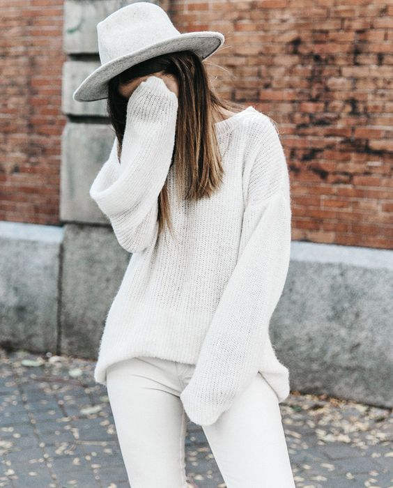 pull blanc mousseux slim blanc chapeau gris le bon mix blog collage