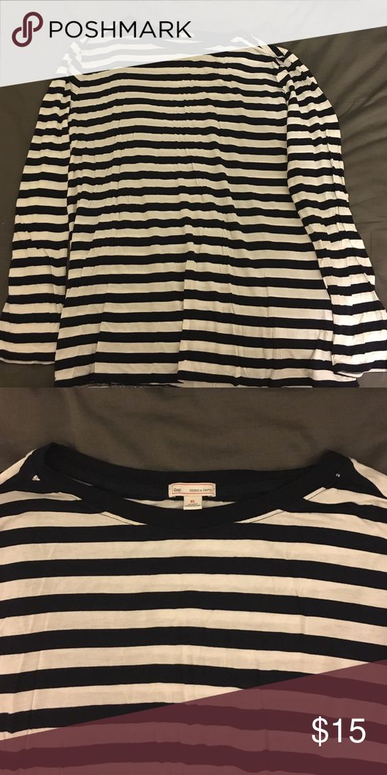 Navy striped long sleeve top! Navy, cream/white, long sleeve GAP Tops Tees - Long Sleeve