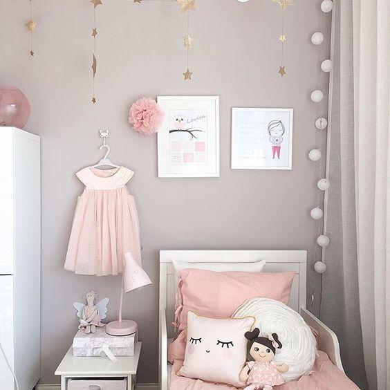Picture by: @interiorbysarahstrath ◻️◽️▫️✨▫️◽️◻️ ••••••••••••••••••••••••••••••••••••••• Follow @baby_and_kidsroom_inspo for more ••••••••••••••••••••••••••••••••••••••• #mittbarnerom#interiorbaby#nursery#nurserydecor#nurseryinspo#nurserydetails#interiordream1#kidzinteriors#babystyleinspo#smabarnsinspo#barnasverden#interior4you#interior2love#barneromrepost#nordickidsliving#barnensrum#finabarnsaker#mykindoflikeinspo: