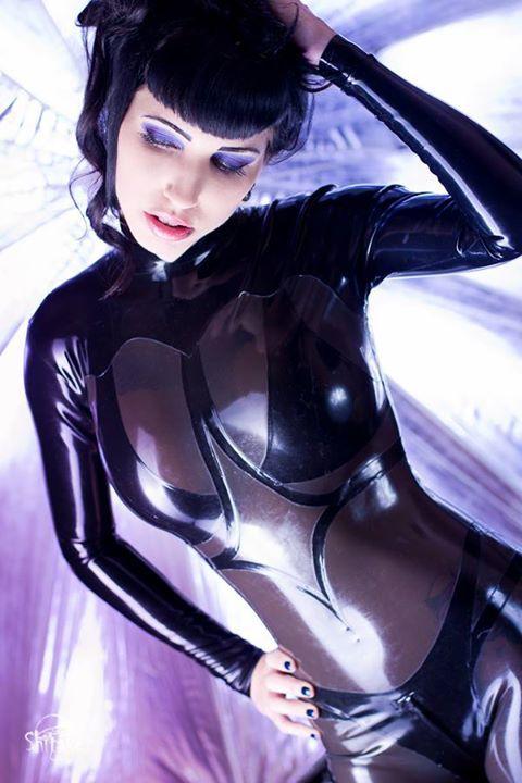 Shitake - Gothic Latex Couture  Fantasy style catsuit  Model: Fräulein Katzentanz