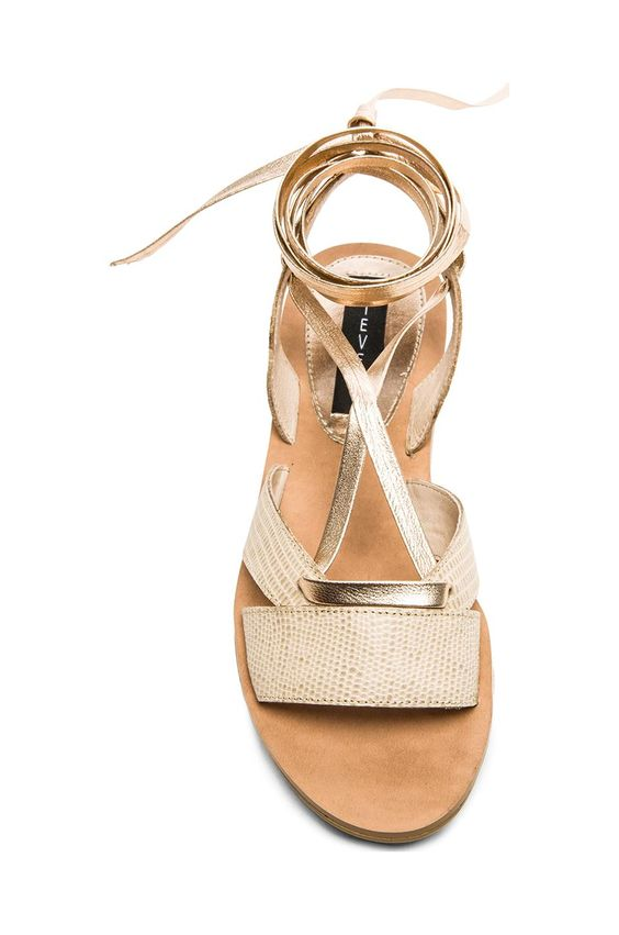 25 Casual Sandals That Make You Look Cool shoes womenshoes footwear shoestrends
