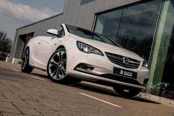 Te koop: Tweedehands Opel Cascada Wit - 1.4 Turbo - Cosmo - Leder sportzetels - Flexride - Weinig km's! (Flexride (sportstand & tourstand) - Inparkeerhulp - achteruitrijcamera - Lederen ergonomische sportzetels - Seat comfort pack - Xenon koplamp...