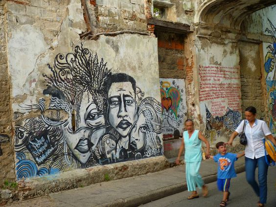 Find out where hides the magical realism of Cartagena de Indias http://bit.ly/1Enzc1j  Descubre dónde se esconde el realismo mágico de Cartagena de Indias http://bit.ly/1Enzc1j el   #Cartagena #CartagenaDeIndias #Colombia #Sudamérica #SouthAmerica #Caribe #Caribbean #travel #viajar #mochilero #backpacker #Wanderlust #fotografía #photography #grafitis #frafitti #urbanart #ciudadmural #streetart