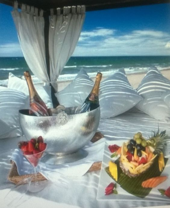 Awesome picnic! jigsaw puzzle in Deneen Williams puzzles on TheJigsawPuzzles.com