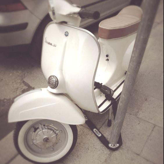 Vintage Scooter (Vespa PK50 Special)