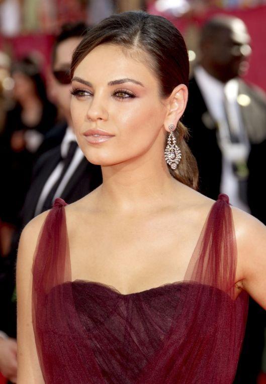 Kunis Burgundy Dressu0026Makeup : Makeupspiration : Pinterest : Makeup ...