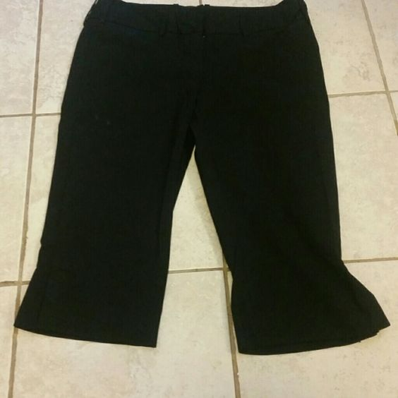The Limited Drew Fit Dressy Capris Drew Fit dressy black capris ...