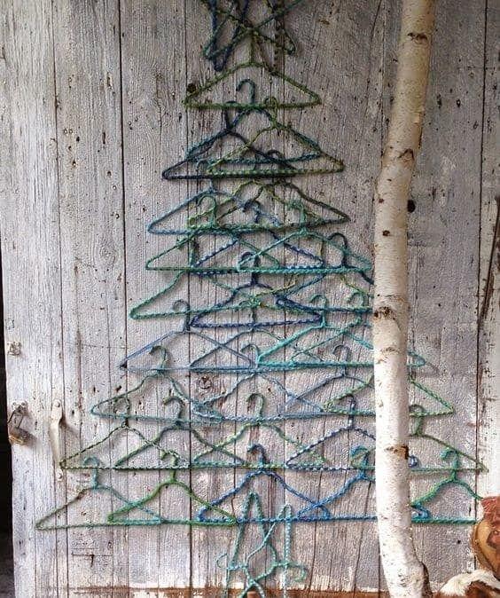 Christmas Crafts Coathanger Tree Dot Com Women Hanger Christmas Tree Diy Christmas Tree Christmas Crafts Decorations
