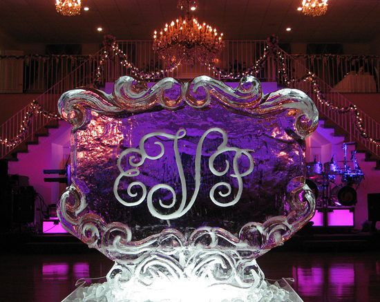 decorative scrollworked monogram ice sculpture at the Four Columns near New Orleans