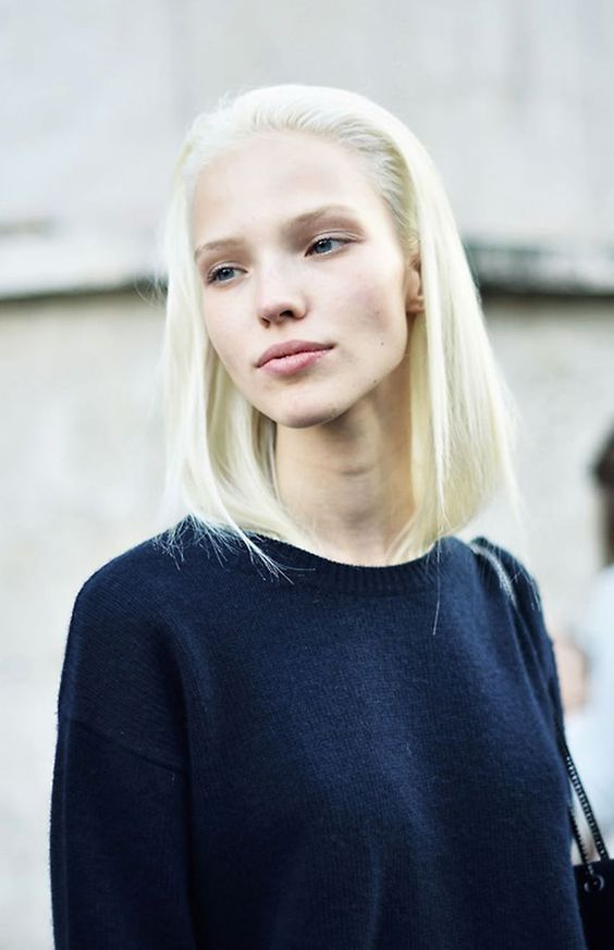 Sasha Luss | Model Off Duty | street style: