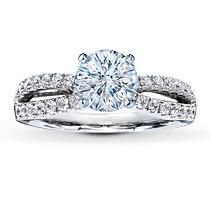 Oh my gosh... 18K white gold. I want this ring like.. now.. with out the commitment attached to it yet.. Haha. So pretty.
