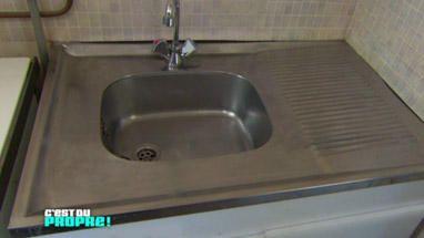 Nettoyer un évier en inox