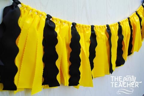Planning a Charlie Brown or Peanuts party? Celebrate with the classic look of…: