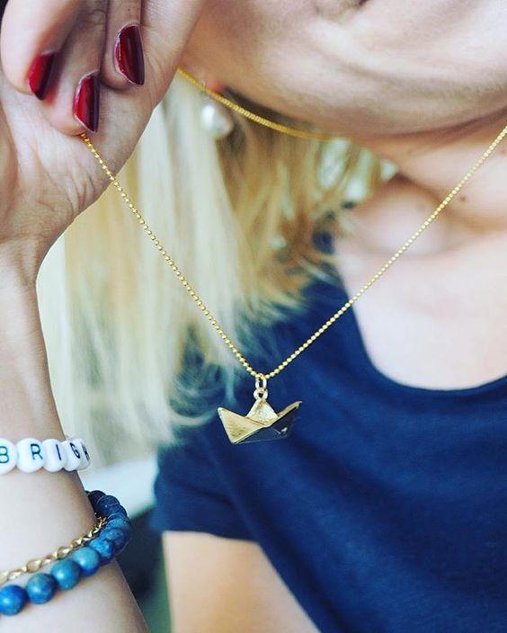 Anhängerliebe ️ @diepampi  #040 #accesories #accessories #accessory #armcandy #armgedöns #bracelet #charms #details #detailsoftheday #diepampi #fashion #gold #Hamburg #hh #instadaily #instafashion #jewellery #jewelry #morningdetails #ootd #schiffchen #schmuck