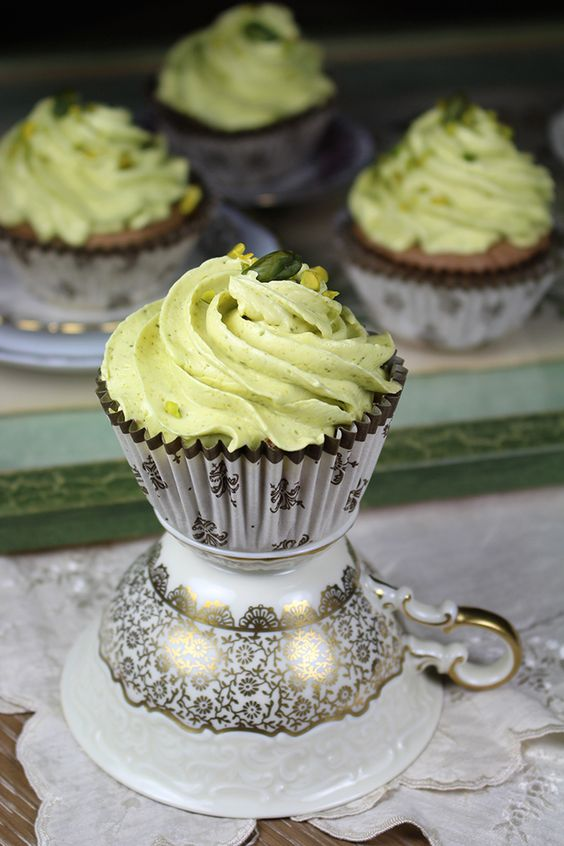 Pistachios with chocolate cupcakes