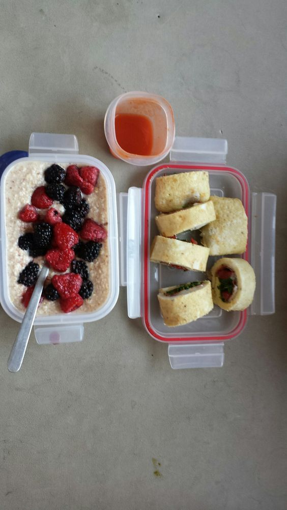 Oats & Berries w/ egg white rolls w/ veggies