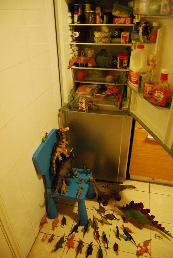 Dinovember raiding the pantry