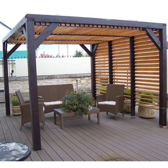 Pergola en bois avec vantelles amovibles pour toit et un mur 348x310x232cm ombra maison facile for Pergola originale