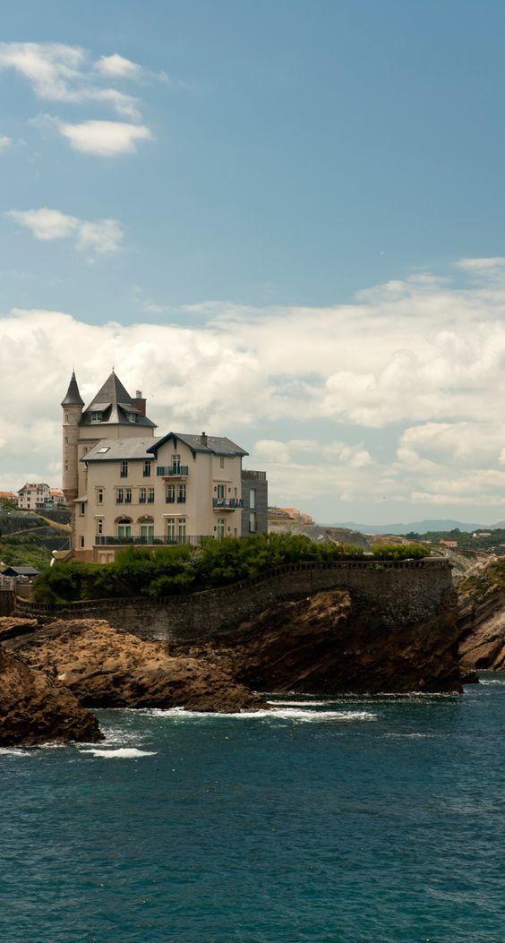 La villa Belza sur la plage de la côte des Basques à Biarritz