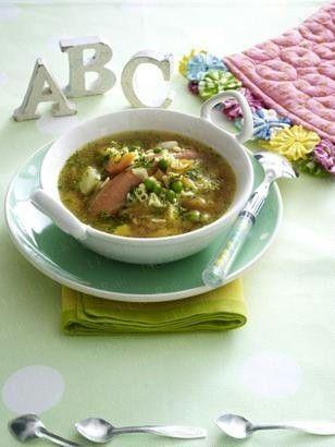 Das Rezept für Bunte ABC-Nudelsuppe mit Würstchen und Gemüse und weitere kostenlose Rezepte auf LECKER.de