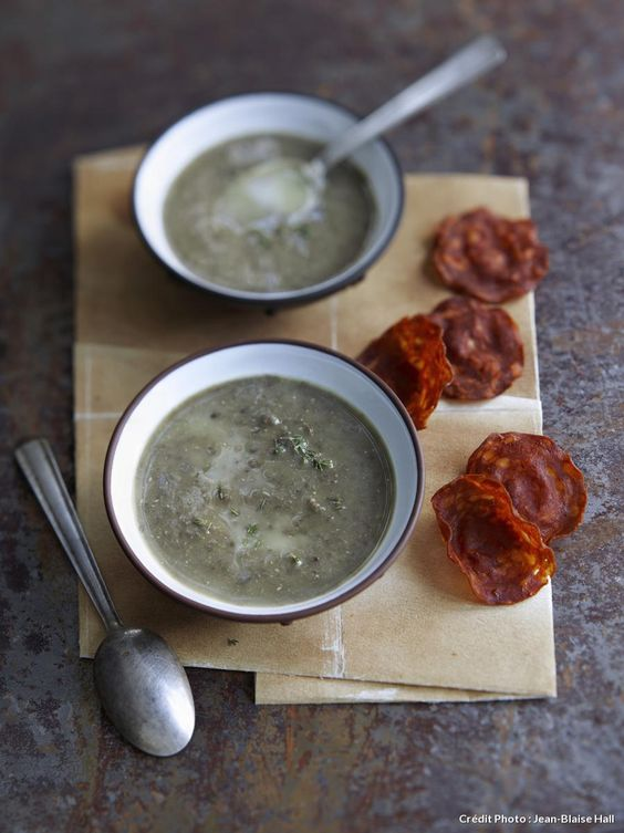 Recette de soupe de lentilles vertes et chips de chorizo - Cuisiner les lentilles vertes ...