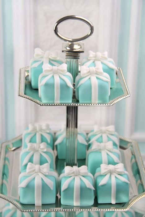 little Tiffany cakes!