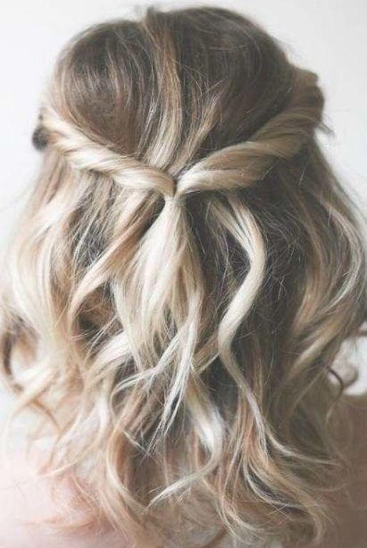 Pin By Vivian Mitchell On Hair Ideas In 2020 Medium Length Hair Styles Hair Styles Medium Hair Styles