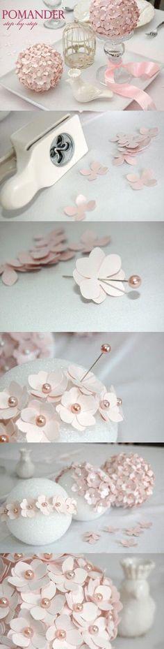 bolita de flores rosas