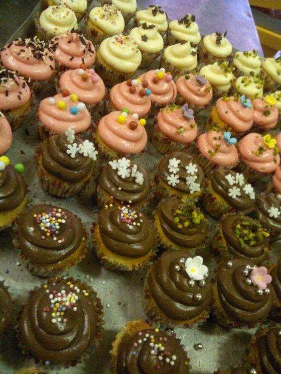 Mini Cupcakes vaniglia, fragola e cioccolato