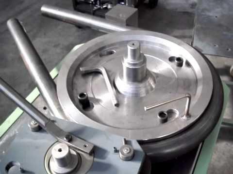 Resultado de imagem para rolagem de ferro forjado antigo
