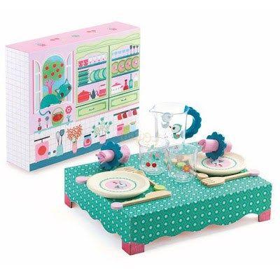 Drewniany stolik z zestawem obiadowym - Trafiony prezent