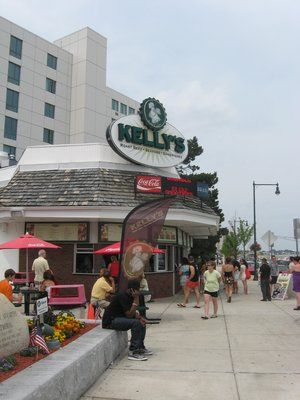 """Kelly's Roast Beef - Revere Beach, MA    Home of the best """"Cold"""" Lobster Roll"""