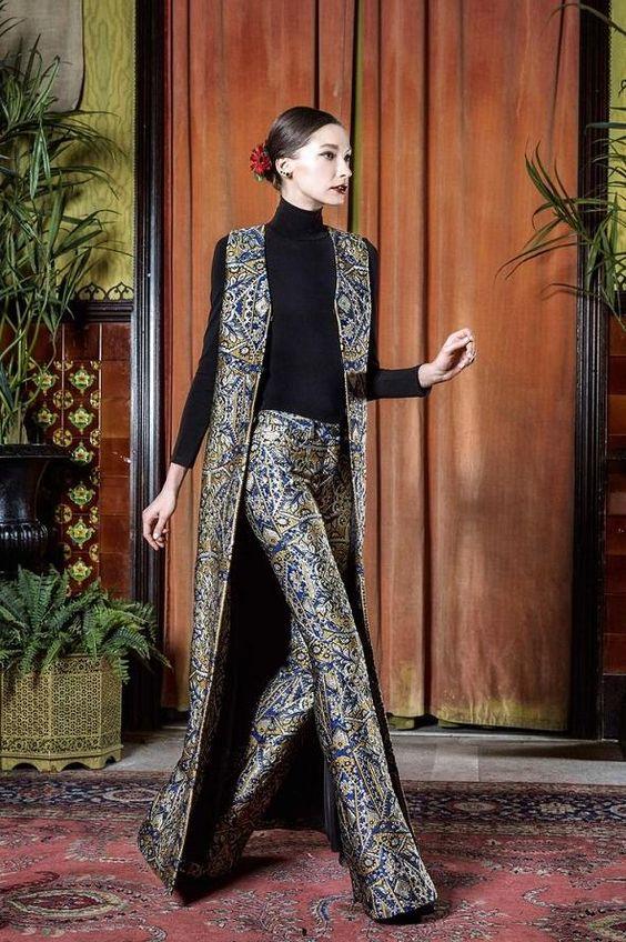Vuelven los pantalones oxford: 5 estilos diferentes para usar oxford en cualquier momento - http://vestidosglam.com/vuelven-los-pantalones-oxford-5-estilos-diferentes-para-usar-oxford-en-cualquier-momento/