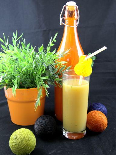 muscade, jus d'orange, clou de girofle, vanille, citron vert, jus d'ananas, rhum, jus de banane, cannelle