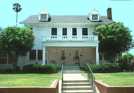 """THE """"HAPPY DAYS"""" HOUSE  The actual home used in the filming of the popular sitcom with the Cunningham Family  & 'The Fonz';  located in a residential neighborhood in Los Angeles, California    (This is a private home, so don't trespass and don't disturb the occupants..)"""