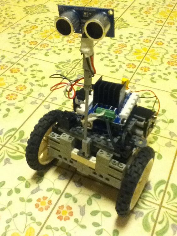 Seeed studio motor shield arduino uno and some lego parts