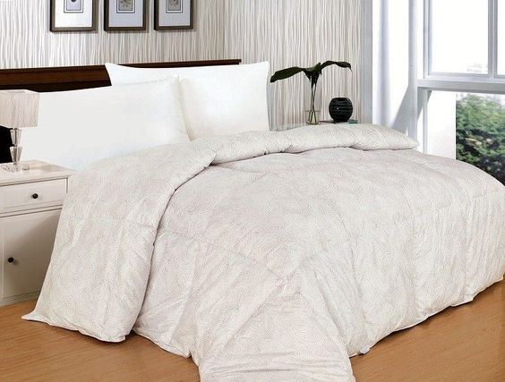 King Down Alternative Comforter Reversible Paisley White Silver Print Bedding #BedInABag #Traditional
