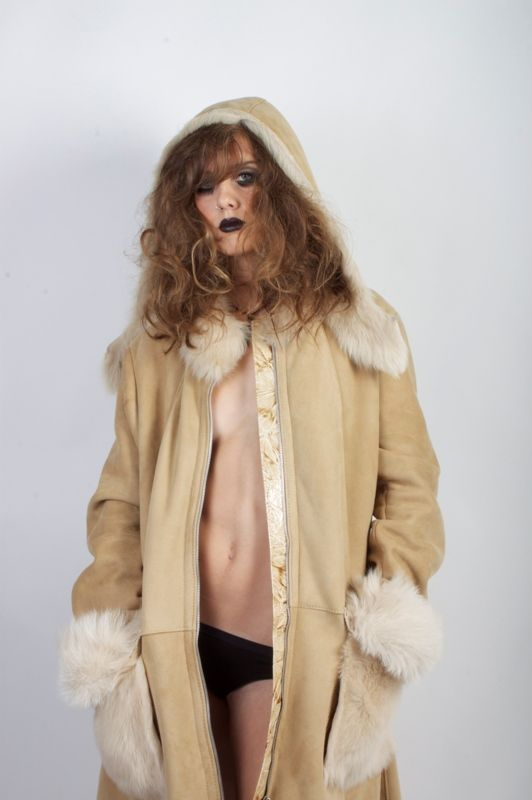 detachable hooded beige shearling coat and croc-effect trimmed