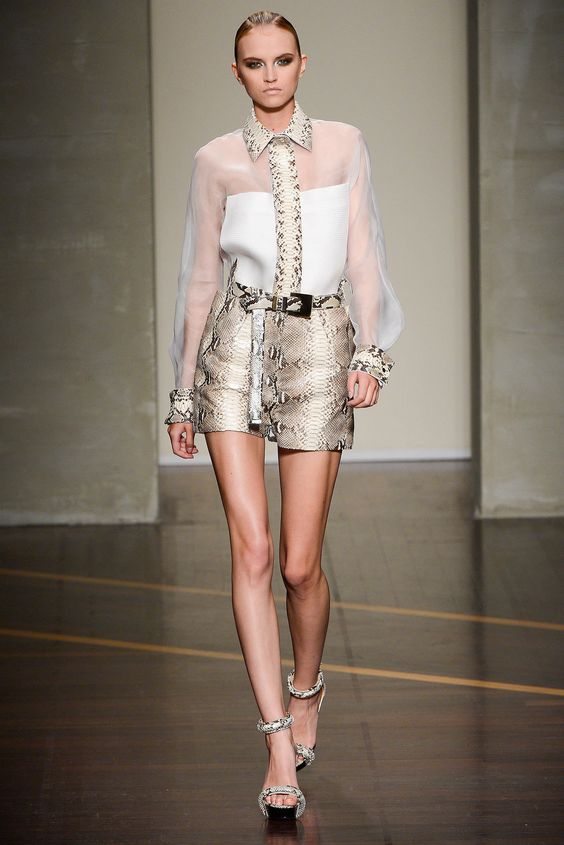 Gianfranco Ferré Spring 2013 Ready-to-Wear Fashion Show - Anabela Belikova