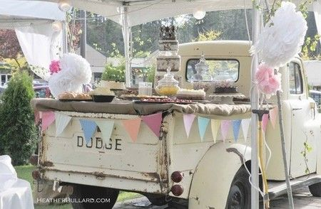 How fun is this buffet on a vintage truck bed?!