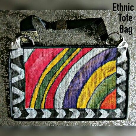 TITLE : Quarter Circle. MEDIUM : Fabric paints and Ink on rough jute Cloth. #MeghnaCreations  #creations  #ethnictotebag  #quartercircle #fabricpaints #inks #rough #jute #fabric #silverbangles #brocades #smart #sling #fashionable #stylish #earthen #bigtotebag #artys #paintedbothsides #piping #gift #gifting #mumbai #pintrest