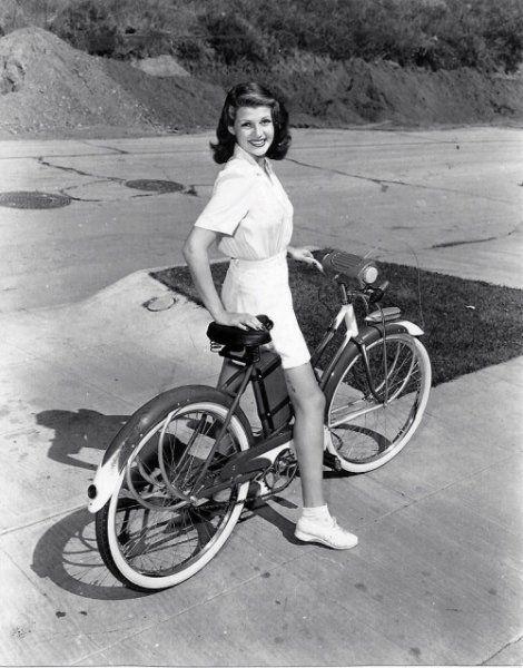 Rita Hayworth (1941)
