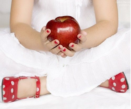 Mini session: red shoes, red nails, red apple....love the red!