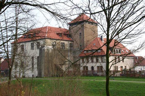 Sehenswurdigkeiten In Der Nahe Der Externsteine Burg Horn Externsteine Burg Und Sehenswurdigkeiten