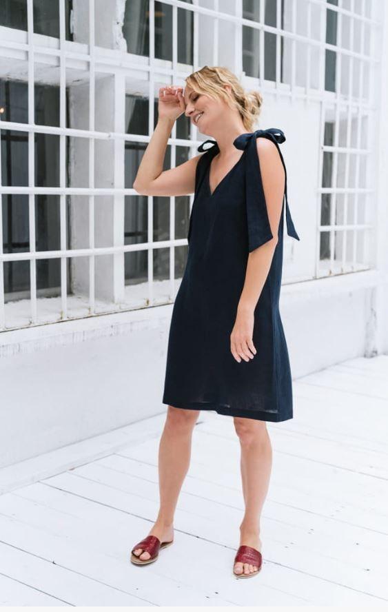 Urocza Sukienka Z Kokardami Fashion Little Black Dress Dresses
